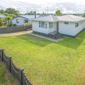 Large Home + Legal Sleepout + Development Opportunity – SOLD