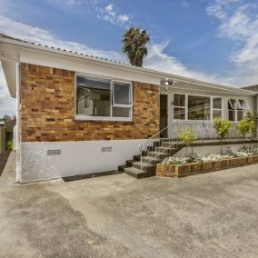 Papatoetoe Entry Level – Offers Over $630,000 – SOLD